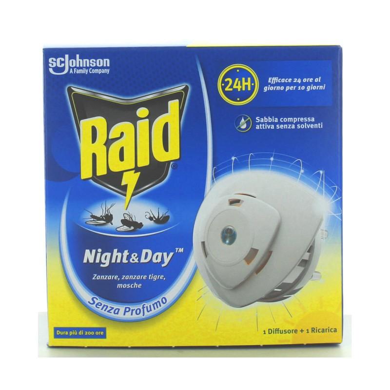 RAID NIGHT&DAY INSETTICIDA DIFFUSORE + RICARICA A SABBIA COMPRESSA DURATA 10 GIORNI